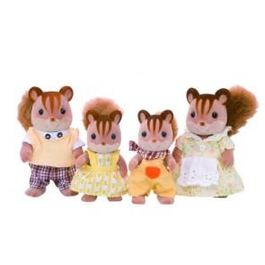 993136_walnut_squirrel_family_content